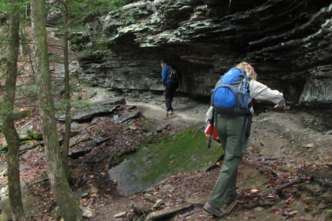 trail goes under outcrop
